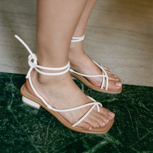 LoQ Shoes - LoQ Ara sandal Crema 38 NEW w/ box! SOLD OUT